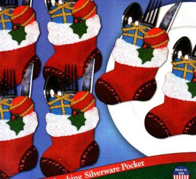 Stockings With Gifts Silverware Pockets 5371 / Карманы  в виде сапожочков с подарками для сервировки стола