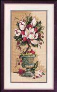Urn Of Magnolias 13637 / Ваза с магнолиями